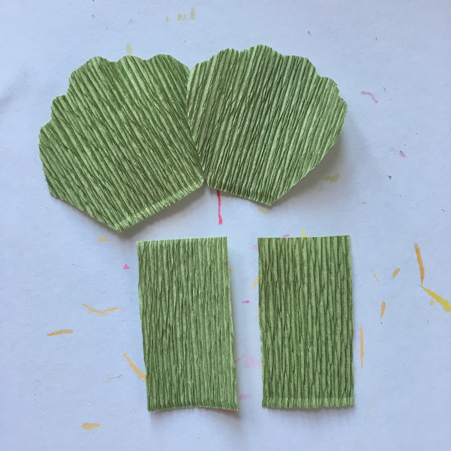 making crepe paper pelargonium leaves