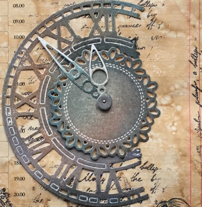 Scrapbook and lace lemonade - making the clock element