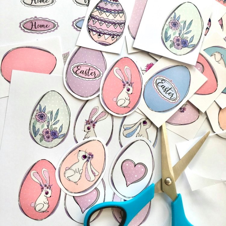 Easter paper stories - play with Easter eggs printable cards