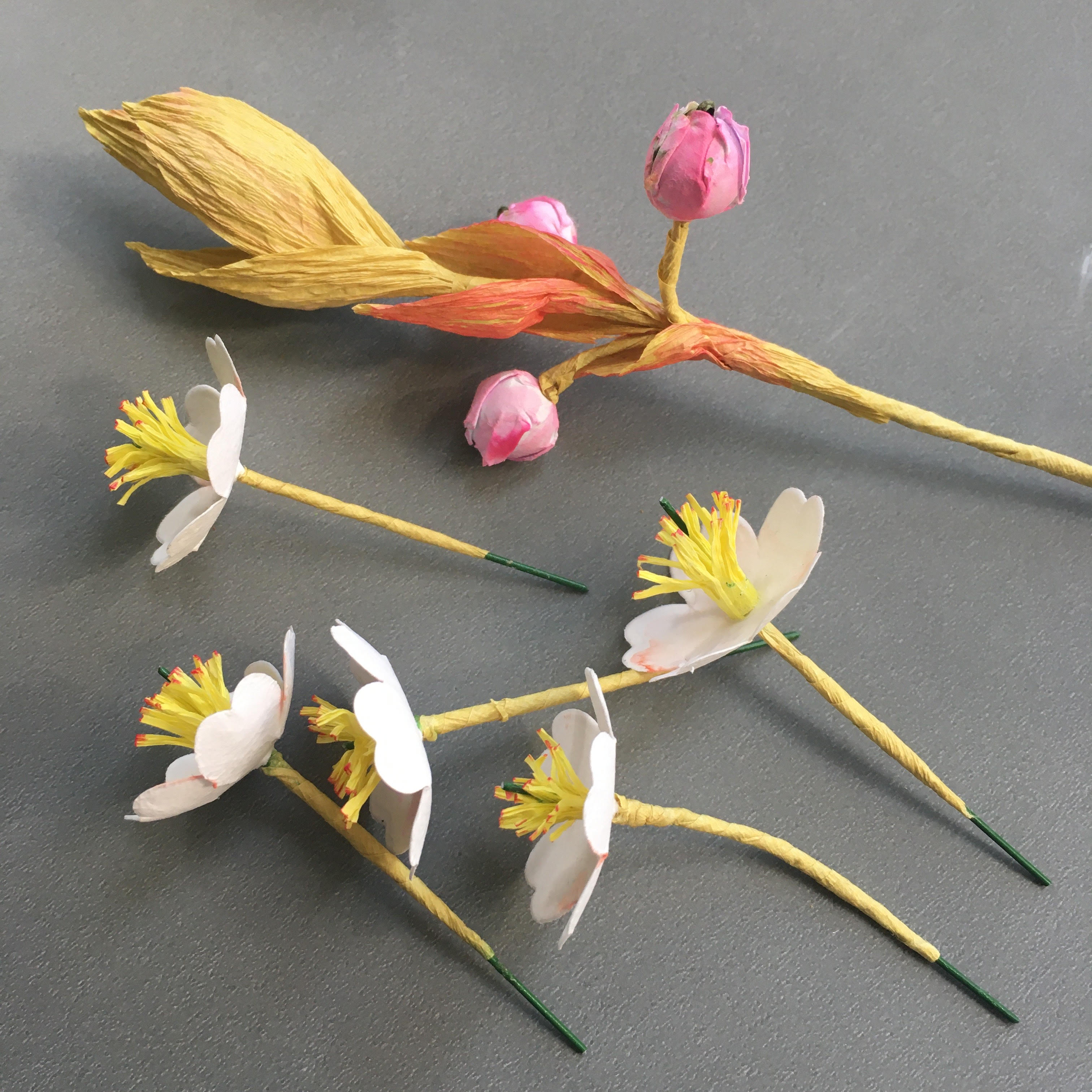 spring paper flowers project for home decoration