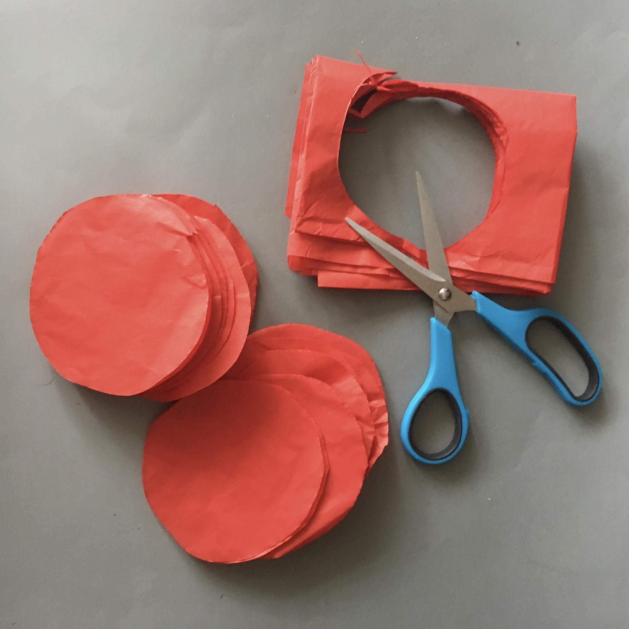 making poppy petals from tissue paper