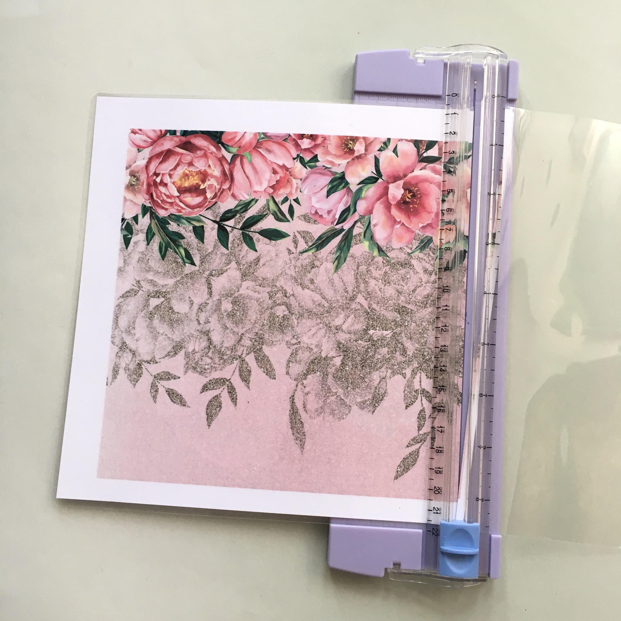 Easy Girly DIY planner - making the laminated covers