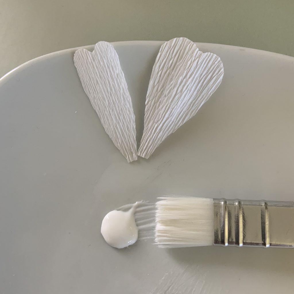 DIY Rosehip flower from crepe paper