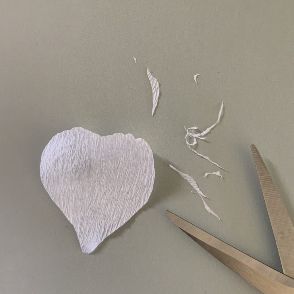 How to make a Rosehip from paper - shaping the petals