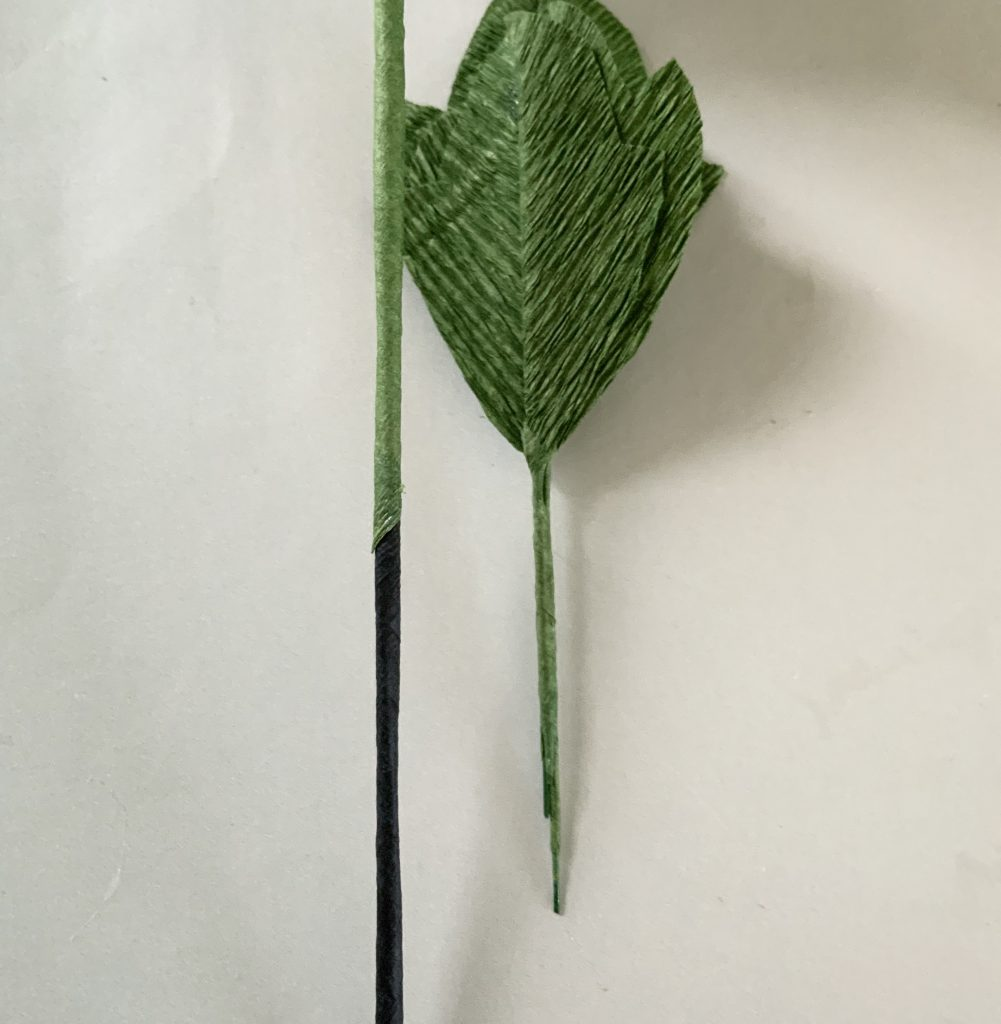 how to connect the leaves in a branch - glue them together with paper string and then open the little stems