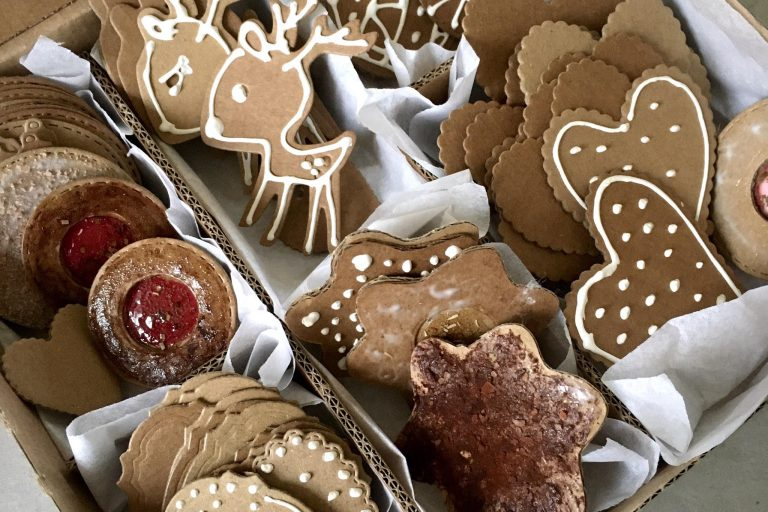 IKEA hacks: Gingerbread embellishments
