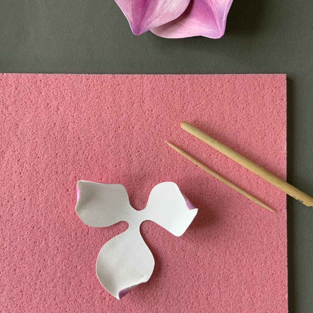 cardboard magnolia petals - shaping with toothpick