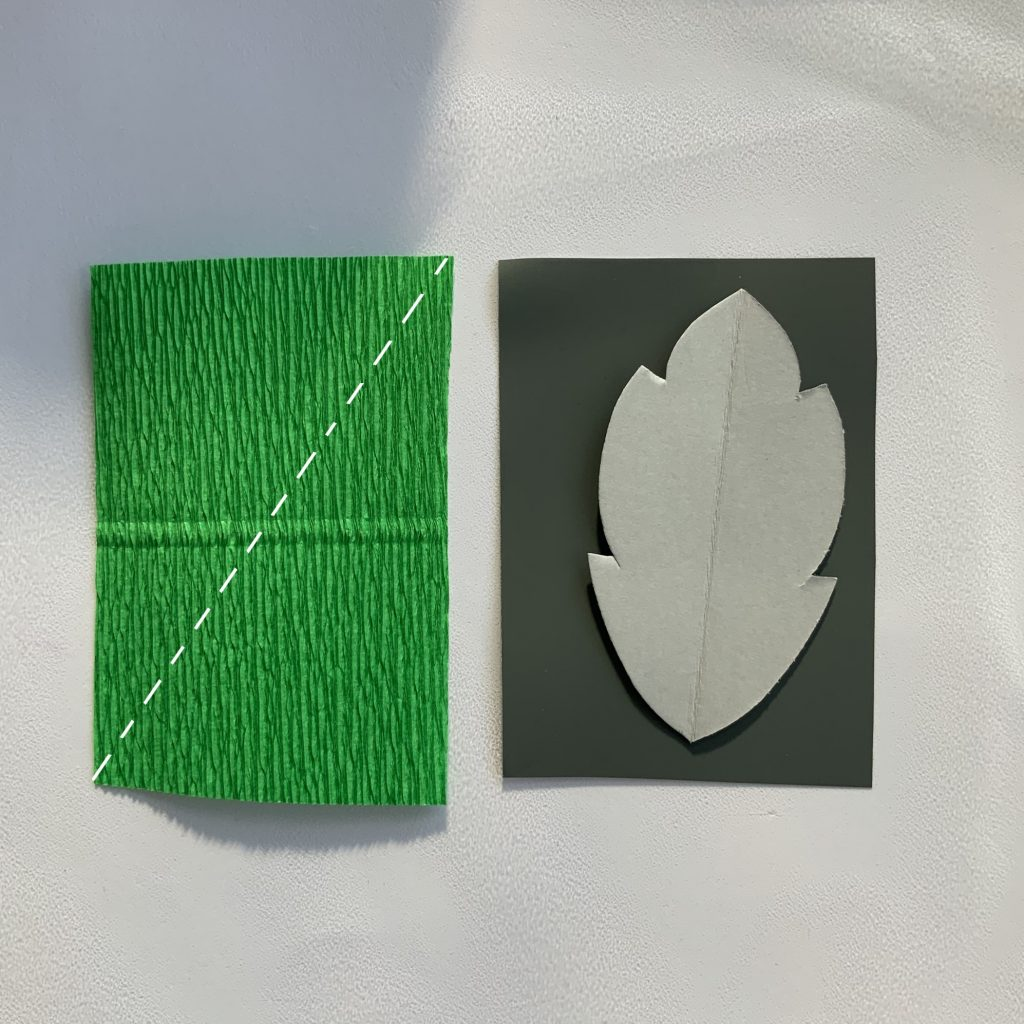 DIY crepe paper Peony - making some leaves with green crepe paper