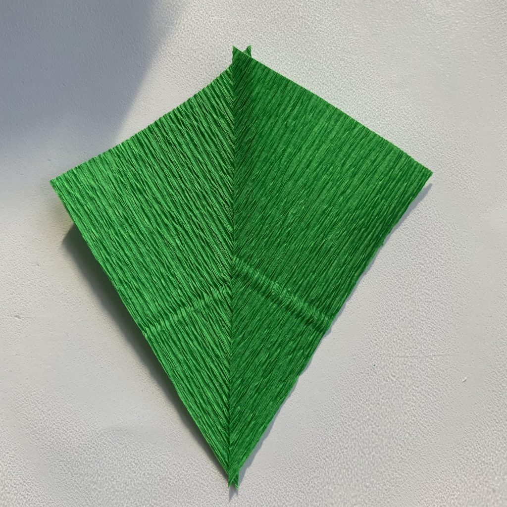 easy way to make crepe paper leaves with no wire