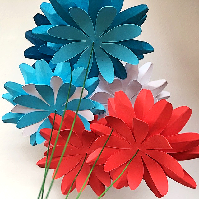 blue, red and white flower July 4th craft project - the flower heads are ready, it is time to make the stem and to add the leaves